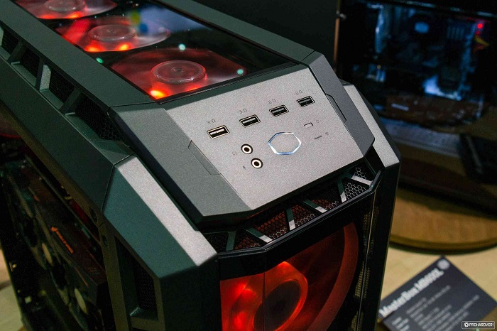 Cooler_Master_H500P_Front_Panel