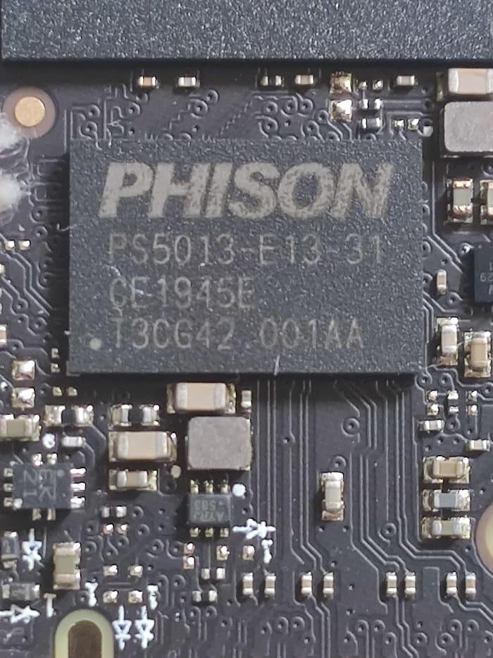 Crucial P2 – контроллер