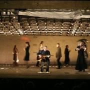 """Фото с сайта Театра на Таганке, спектакль \""""Владимир Высоцкий\"""""""