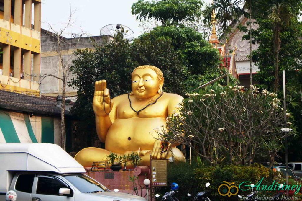 Чианграй. Wat Moon Muang