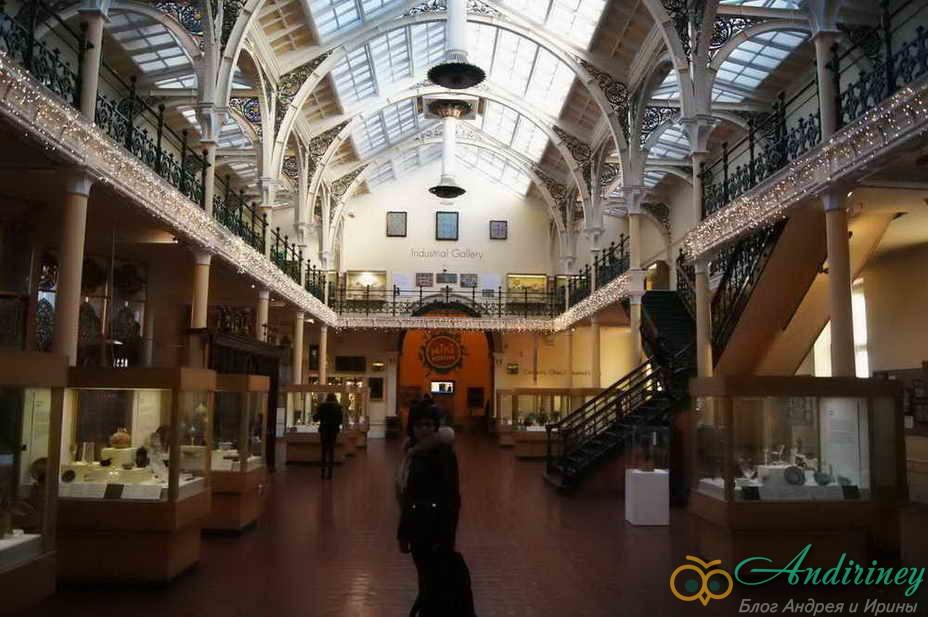 20. Birmingham Museum & Art Gallery
