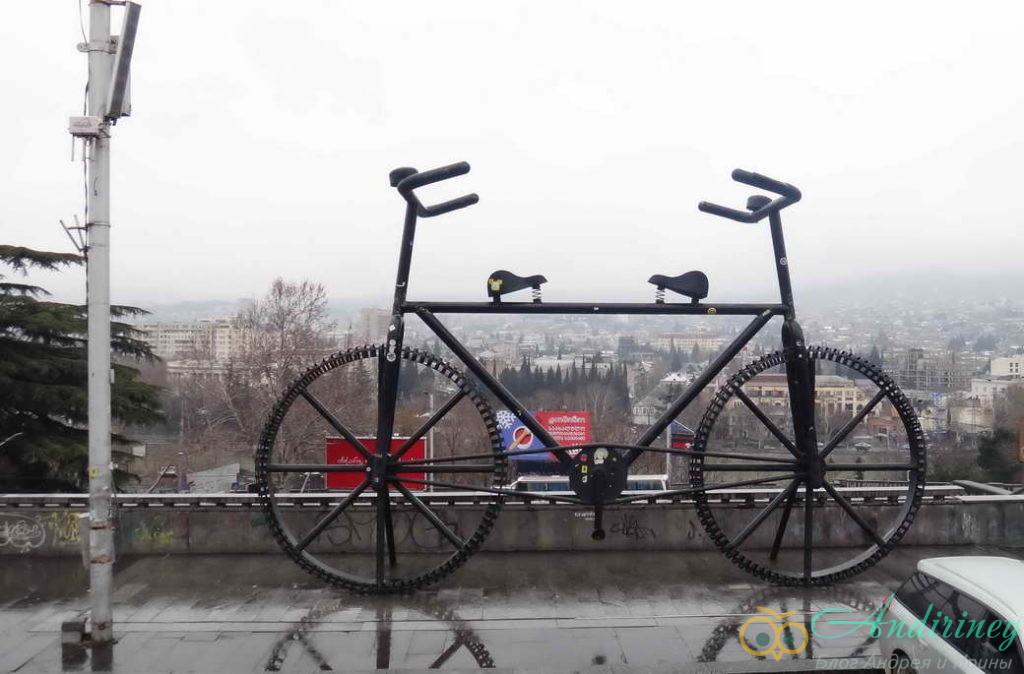 Тбилися в январе. Велосипед