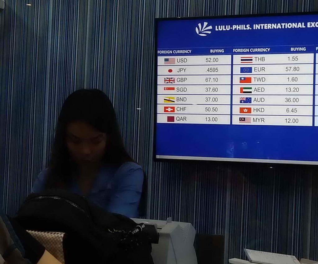 Отдых на Филиппинах начинается с обмена валюты