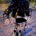Невидимый клоун. Памятник в Тюмени